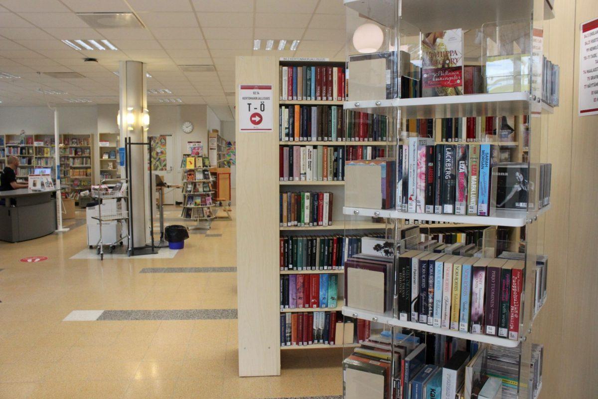 Lavian kirjaston aukioloajat pitenevät